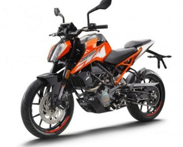 2017-KTM-Duke-125-front-three-quarter