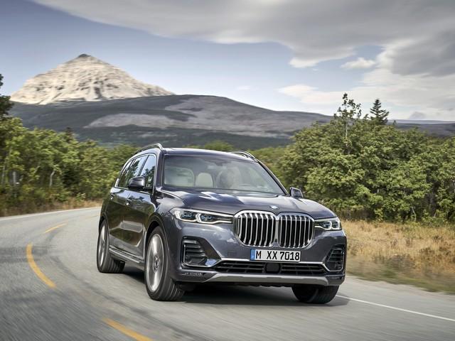 BMW X7 front