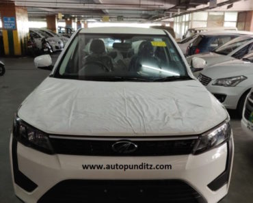 Mahindra-XUV-300-Base-Variant-Front-Spied