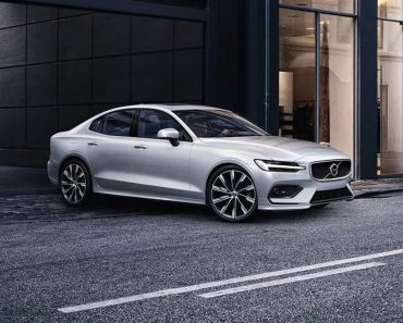 2021-Volvo-S60-Front-1